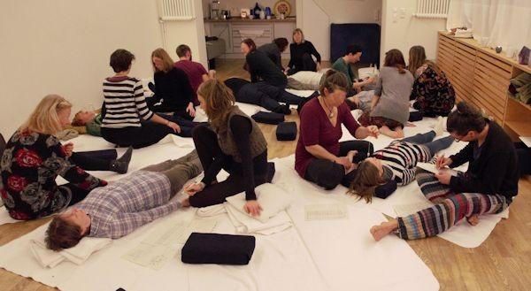 Gruppenarbeit in der Mysterienschule am Donnerstag