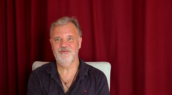 Video – Spiritualität ist niemals gegen etwas. Es ist ein bedingungsloses Ja zu allem