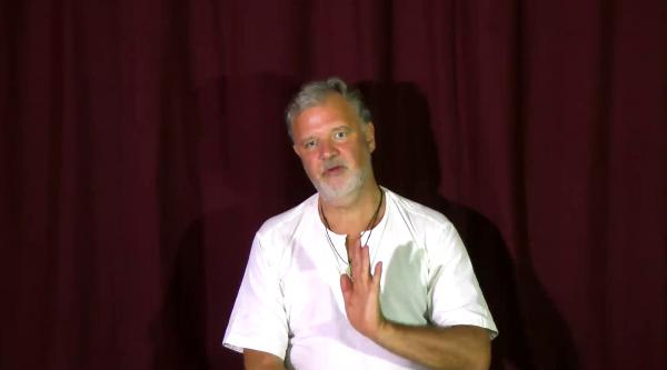 Video – Nur der starke Geist kann sich hingeben, der schwache Geist will sich unterwerfen